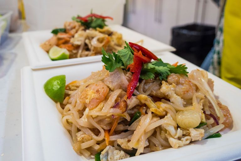 Pad-Thai-live-royal-star-arcade-5