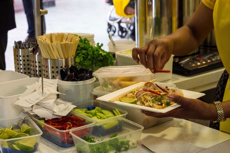Pad-Thai-live-royal-star-arcade-food-2